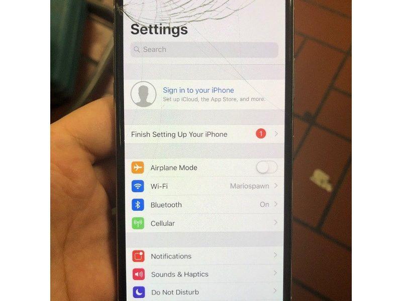 Khắc phục mặt kính iPhone Xs Max bị vỡ nhanh chóng, hiệu quả