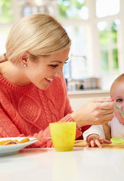 Tìm người chăm sóc em bé tại nhà uy tín và chuyên nghiệp
